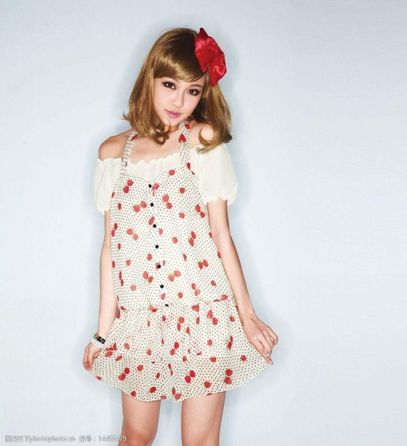 雪纺短裙可爱萝莉图片