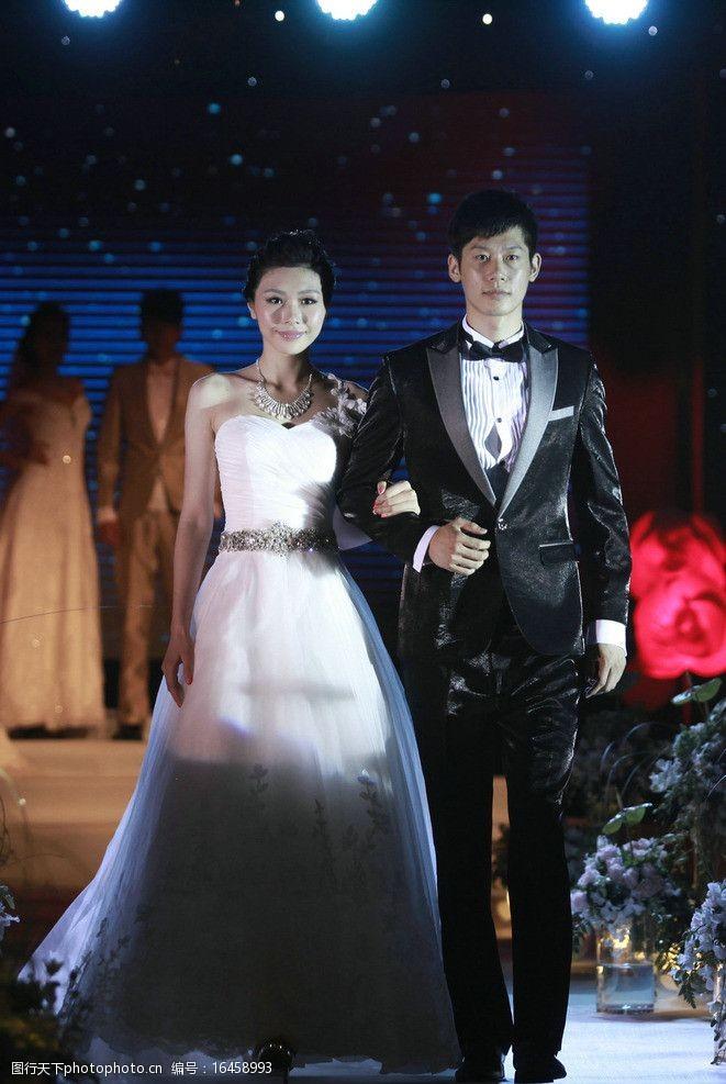 结婚婚纱礼服泽意朗男士礼服图片